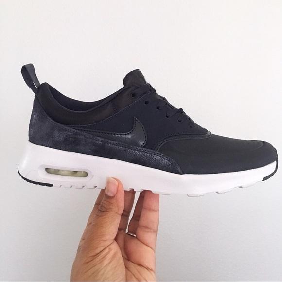 Women's Nike Air Max Thea Premium Size 10 NWT